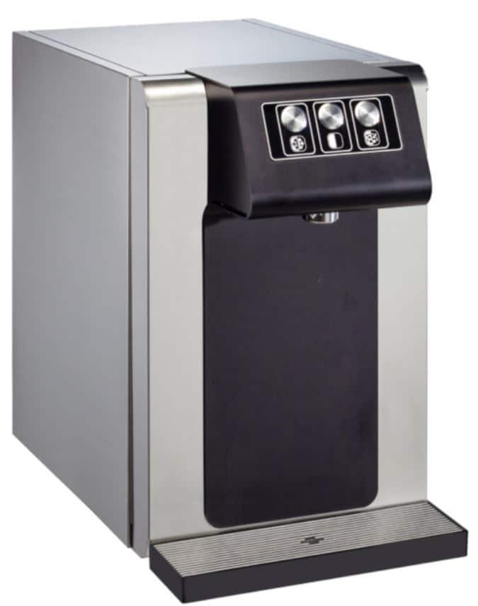 Fontaine à eau filtrée d'intérieur pour bureau ou entreprise belge. Distributeur d'eau connecté au réseau et donc zéro déchet. Il est équipé de filtre à eau efficace comme le filtre à charbon actif ou le filtre UV.
