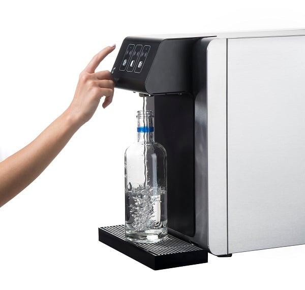 Fontaine à eau sans contact pour bureau et maison ; pour aider les entreprises et bureaux à lutter contre le coronavirus. Eau plate ou gazeuse, fraîche, tempérée ou chaude.