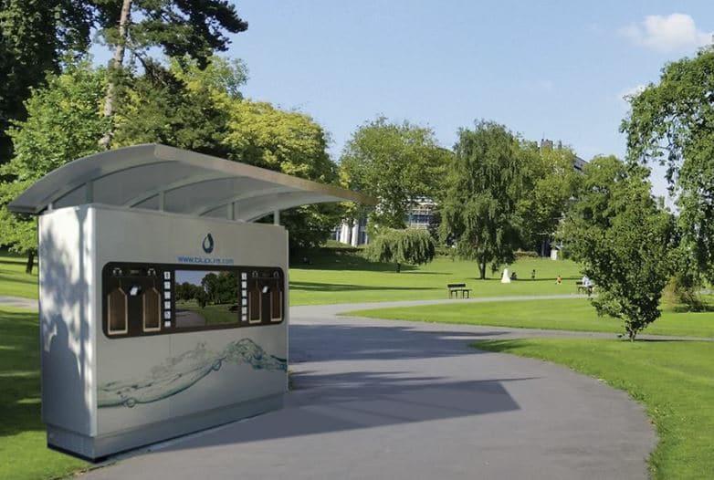 Fontaine à eau filtrée d'extérieur smart ecocity dans un parc destinée aux pouvoirs publics en Belgique